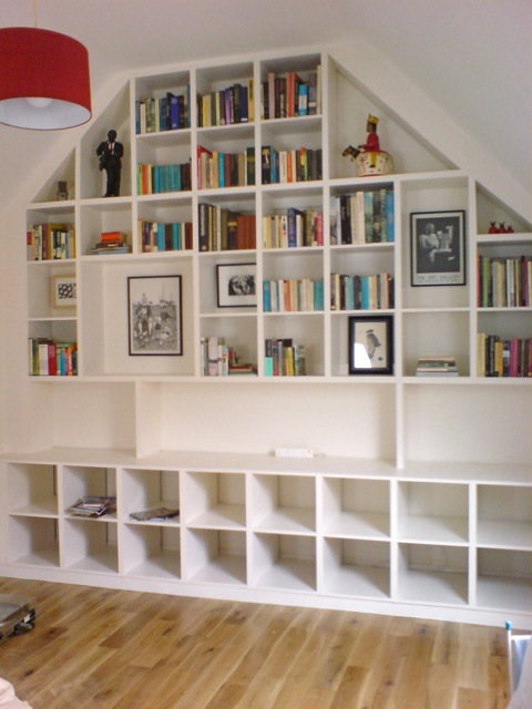 wall of fitted shelves richard sothcott brighton carpentry